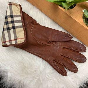 Ladies Burberry Leather Gloves